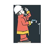 水鉄砲で消化する消防士のアイキャッチ